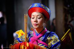 Nhiếp ảnh gia Mỹ xuất bản sách ảnh về Hầu Đồng