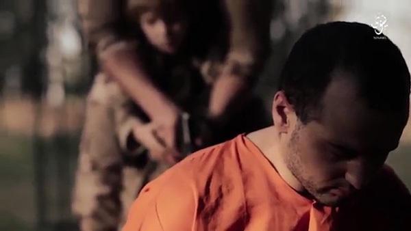 IS tung clip cậu bé tóc vàng bắn chết tù nhân