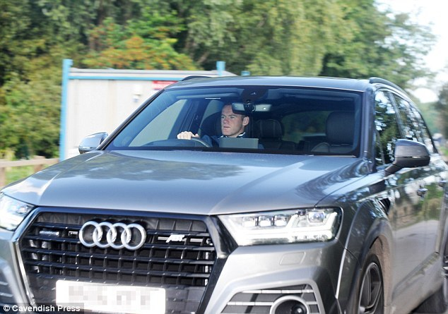 Mourinho phế hàng loạt trụ cột ở cúp Liên đoàn Anh