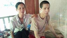 Chị gái hi sinh tuổi xuân chăm em trai gặp nạn suốt 20 năm
