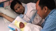 """Mổ lấy thai 3,2 kg cùng khối u """"khủng"""" cho sản phụ miền Tây"""