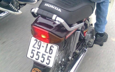 Mãn nhãn loạt Honda Dream cùng bộ biển tứ quý siêu khủng 8g