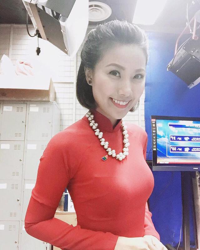 Cô nàng thời tiết của VTV 'hot' không kém Mai Ngọc