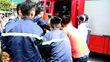 Tự đâm kẹt vào gốc cây, nam thanh niên đi cấp cứu bằng xe chữa cháy