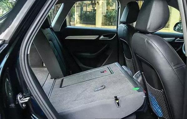 Bí mật xe hơi: Nhiều người không biết về cửa thoát hiểm khi nguy cấp