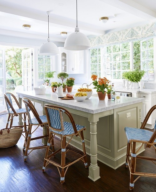Ngôi nhà không lỗi mốt với gam nội thất màu xanh và trắng