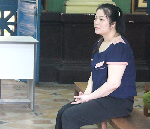 Hoa hậu chơi với đại gia: Vui trả tiền tỷ, giận nhau vào tù