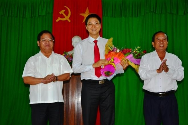 Bí thư Huyện ủy 8X, lãnh đạo tuổi 30