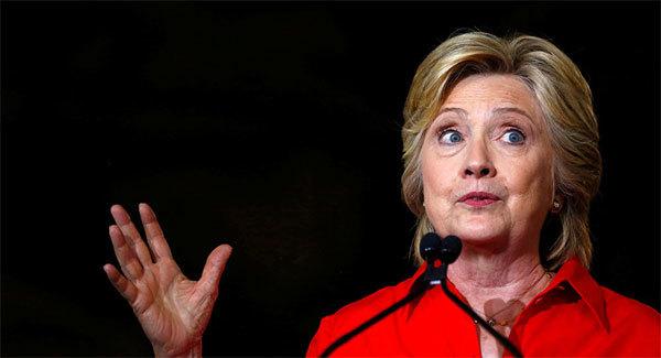 Hillary Clinton bỏ quên tài liệu mật ở khách sạn Nga