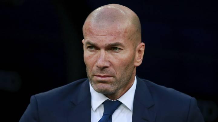 Ronaldo lên mặt, Zidane chỉ biết cười làm hòa