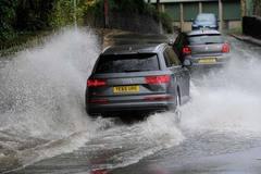 Mua xe cũ, làm thế nào để tránh mua phải xe ngập nước?