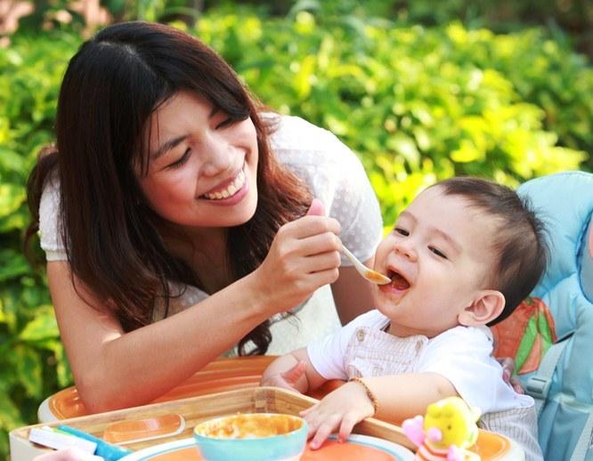 Sai lầm của mẹ Việt khiến con biếng ăn và đây là giải pháp