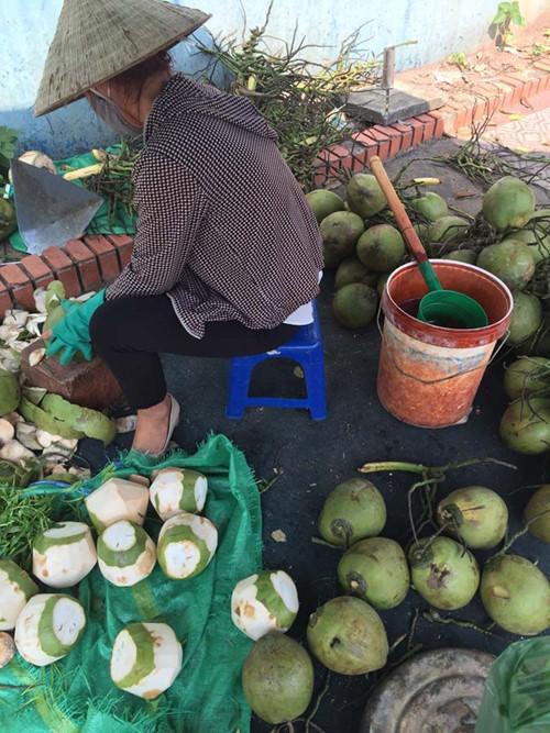 rau muống, bắp chuối, ngâm tẩm, hóa chất, quả dừa, tẩy trắng bằng axit, dừa tươi, 'tắm trắng', axit, Hà Nội, ung thư