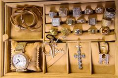 'Choáng' với bộ nhẫn kim cương 'chói mắt' của Đàm Vĩnh Hưng