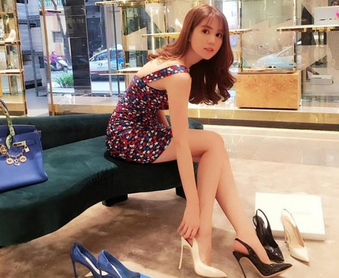 Ngọc Trinh, người mẫu ngọc trinh, nữ hoàng bikini, Phương nga, hoa hậu phương nga