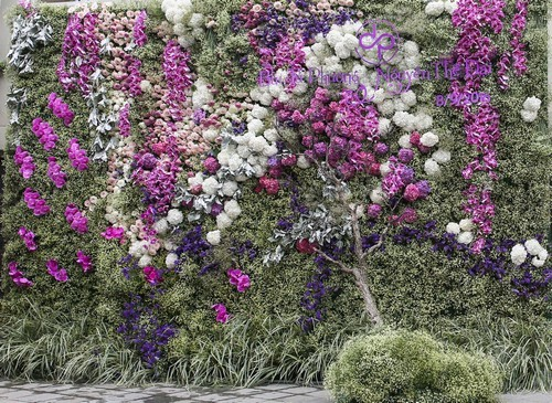 20160927160636 trang tri 10 Gia đình ở Hà Nội trang trí nhà ngày ăn hỏi đẹp hoàn hảo với 7.800 cành hoa nhập