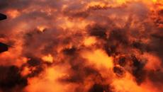 Bức ảnh bầu trời như hoả ngục ngày tận thế gây kinh ngạc