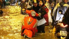 Hàng triệu người Sài Gòn đối mặt với nhiều loại bệnh khi dầm mưa lâu