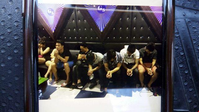 Đột kích quán karaoke, tạm giữ 50 dân chơi phê thuốc
