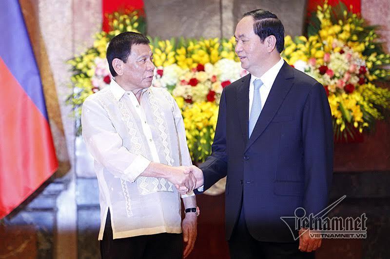 Chủ tịch nước bàn về Biển Đông với Tổng thống Philippines