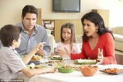 Dân Anh mê 'chuyện ấy' trên bàn ăn hơn ở giường ngủ