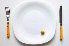 Ăn bớt 1 quả oliu, bỏ túi hơn 800 triệu đồng