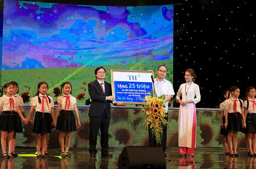 'Bà mẹ xã hội' mở cánh cửa hạnh phúc cho trẻ Việt