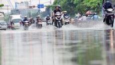 Người Sài Gòn lội bì bõm ngày đầu tuần