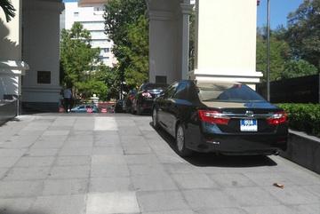 Tâm sự ngày đầu đi làm bằng taxi, tự lái xe của Thứ trưởng tài chính