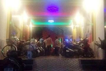 Hỗn chiến ở 2 quán karaoke Sài Gòn, 3 người chết