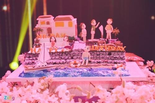 Không gian sinh nhật hoành tráng như tiệc cưới của Mr. Đàm