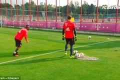 """Xem pha ghi bàn """"siêu dị"""" của Arturo Vidal"""