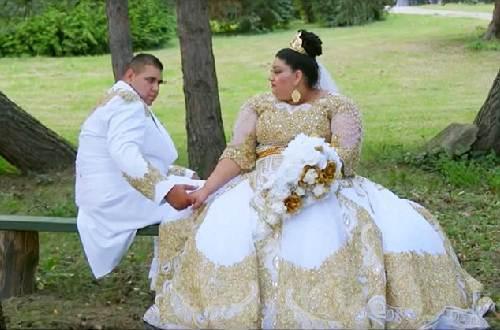 Chiêm ngưỡng chiếc váy phủ đầy vàng của cô dâu béo