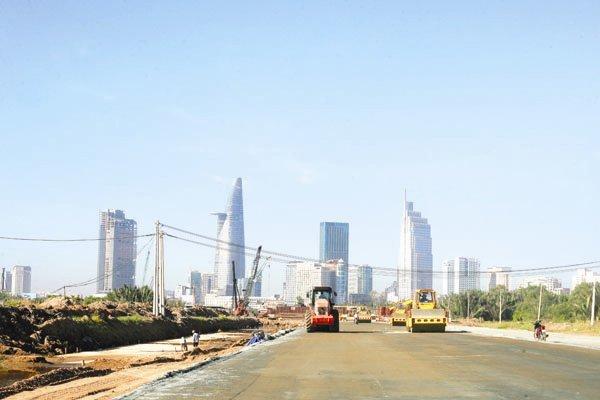 Nhận trợ cấp vẫn 'hoành tráng' ngàn tỷ xây quảng trường – tượng đài
