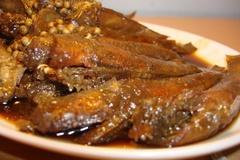 """Mách bạn cách làm cá bống kho tương """"ngốn"""" cả nồi cơm"""