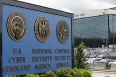 """""""Đồng nghiệp"""" của Edward Snowden bị bắt vì bán mã nguồn tuyệt mật"""