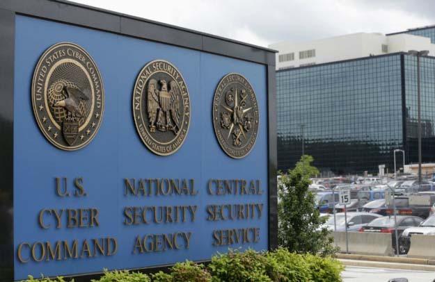 'Đồng nghiệp' của Edward Snowden bị bắt vì bán mã nguồn tuyệt mật