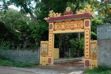 Kẻ truy sát trong chùa không phải là tu sĩ Phật giáo