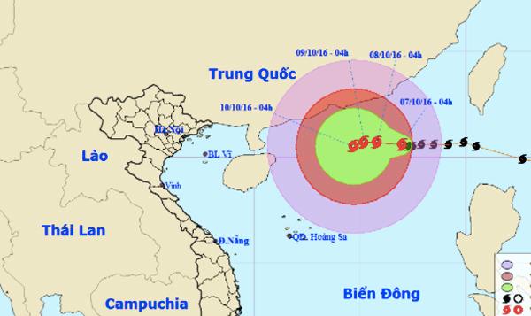Bão số 6 giật cấp 13 quần thảo biển Đông