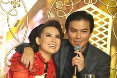 Mạnh Quỳnh: 'Phi Nhung vẫn ôm tôi trước mặt vợ tôi'