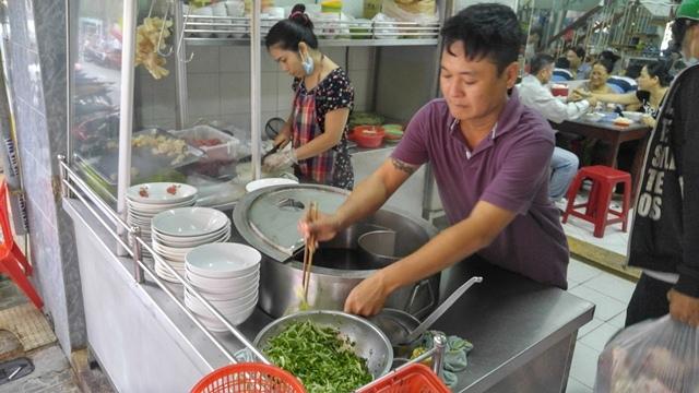 Thủ tướng Nguyễn Xuân Phúc, thủ tướng ăn phở, thủ tướng uống cafe
