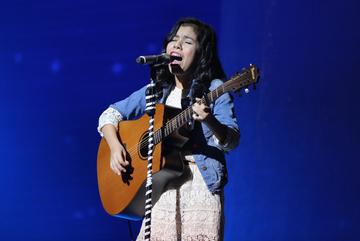 'Thiên thần lai' chia tay Giọng hát Việt nhí