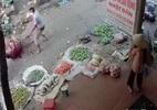 HN: Chém nhau kinh hoàng giữa chợ, 2 người thương vong