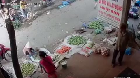 hn chém nhau giữa chợ