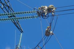 Yêu cầu dừng xây Đài vinh danh đường dây 500kV Bắc Nam