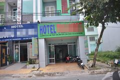 Người thanh niên chết bí ẩn bằng súng trong khách sạn