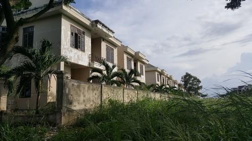 biệt thự bỏ hoang, biệt thự bỏ hoang trung tâm Đà Nẵng, làng thể thao Tuyên Sơn