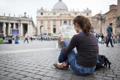 Bí kíp tránh 'tiền mất tật mang' khi du lịch nước ngoài