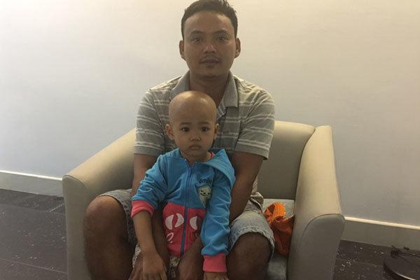 Bị ung thư, bé gái 3 tuổi cầu cứu
