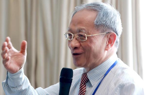 """Ông Lê Đăng Doanh: """"Cuộc sống luôn mạnh hơn mọi giáo điều"""""""